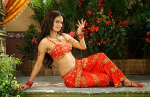 Meenakshi Dixit Hot Spicy Navel Stills