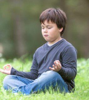 kids-in-meditation