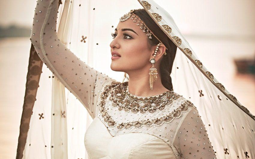 Bollywood Actress Sonakshi Sinha photo Stills