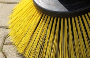 Tips to Sweep the floor with a best Broom
