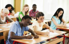 What is the difference between CBSE and ICSE course?