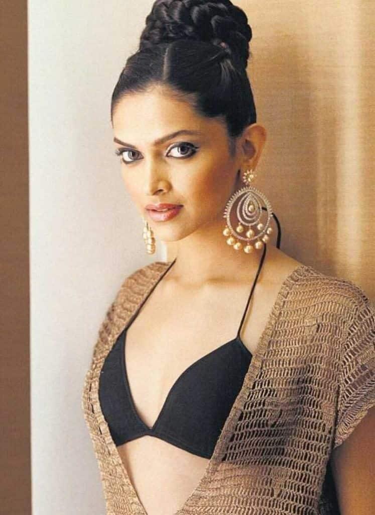 Deepika Padukone In Om Shanti Om Hot - Deepika Padukone Age
