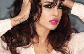 Hot & Awiting Bollywood Actress Priyanka Chopra Pics