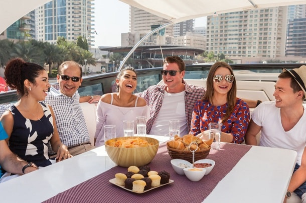 5 Themes for a Superb Yacht Party